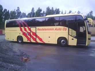 Rautalammin Auto Oy 50-paikkainen tilausajobussi